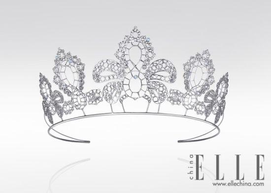 手绘头像戴皇冠女生黑白
