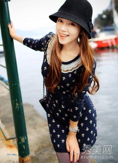 海军风的连衣裙
