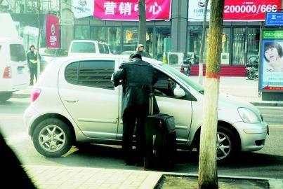"""火车站,飞机场周边为重点整顿区域   """"2006年,太原市出租车行业曾"""