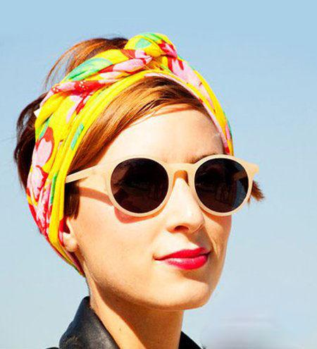 橙色发色搭配黄色头巾感受冬日温暖