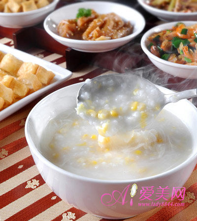 煮玉米+蛋花胡萝卜丝粥