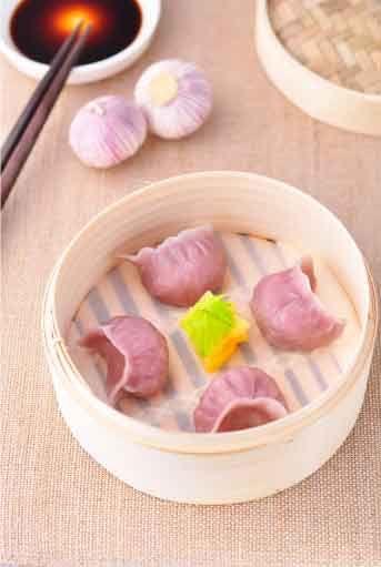 步步精心包出完美大肚水饺 粗粮版猪肉芹菜饺子