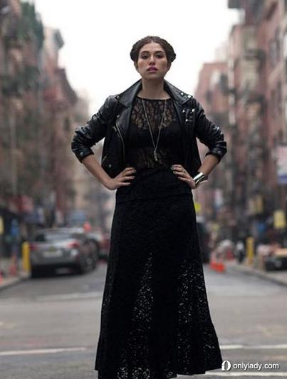 黑色蕾丝镂空透视长裙