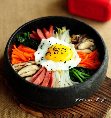 零难度搞定吸引眼球的韩国石锅拌饭