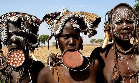 埃塞俄比亚莫西族(Mursi)和及其特别的身体改造。