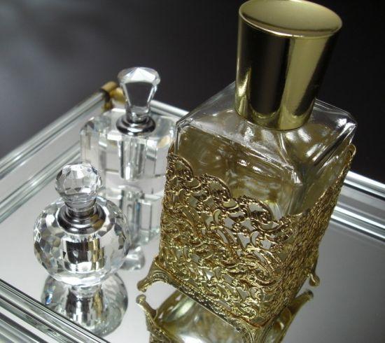 """奢侈品牌""""剥离""""香水为哪般"""