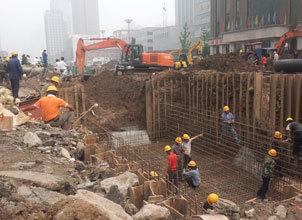 建设中的府东府西街 崛起中的太原