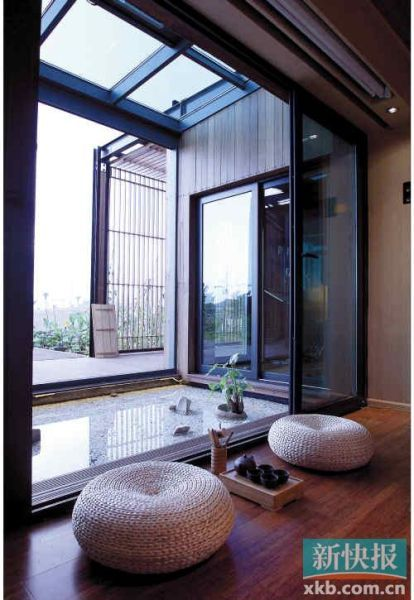 ■太阳能小屋温馨智能的室内设计。