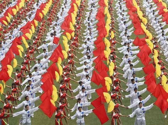 两千大学生南京共舞壮观团体操