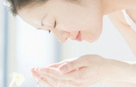 素颜美女洗脸秘诀 如何打造净白肌肤