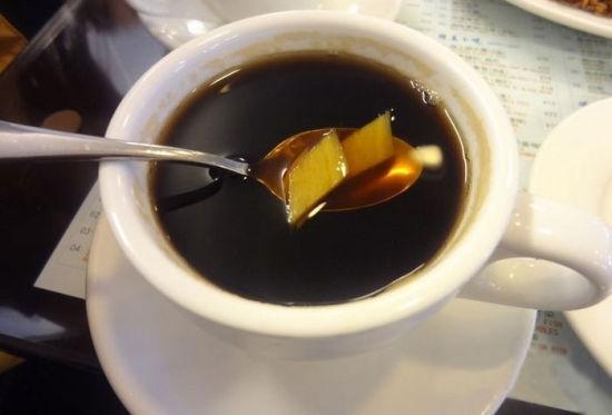 2013热饮配方_美味且驱寒感冒热饮:可乐煲姜_新浪长治