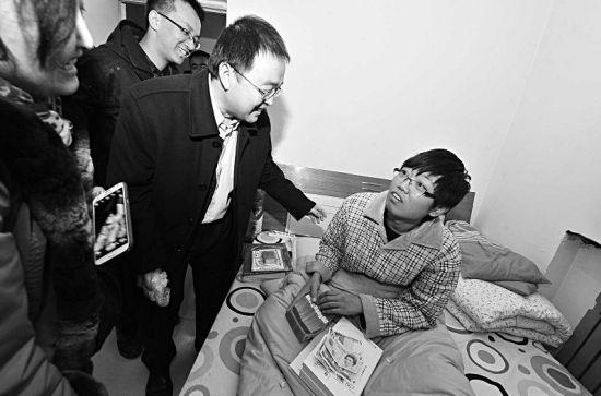 12月24日,北大校友看望赵赟
