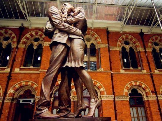 伦敦圣潘克拉斯火车站