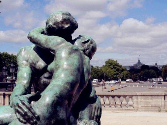 吻 法国巴黎
