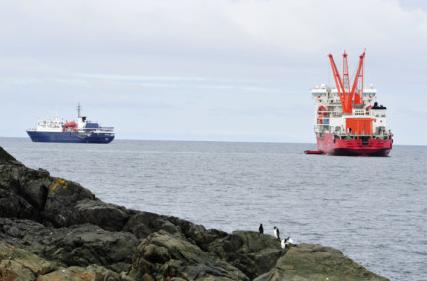 包外国邮轮到南极旅游