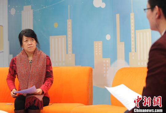 住建部住宅产业化促进中心副主任文林峰做客中新网视频访谈 张越 摄