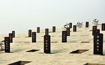 正在完善中的南郊区四龙山烈士陵园