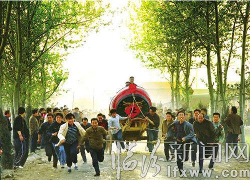 跑鼓车(图片由张向东提供)