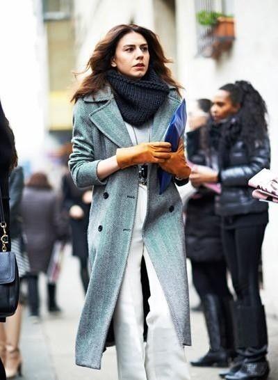 天蓝色呢子大衣