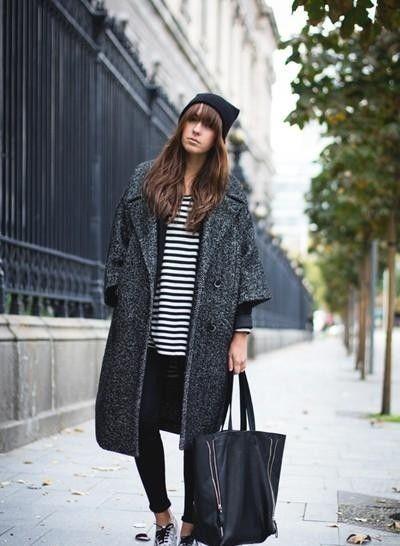 灰黑色呢子大衣