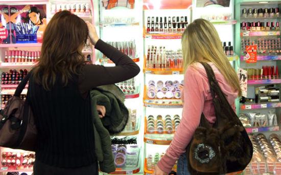 专家提醒:选购化妆品要时刻注意提防雌激素