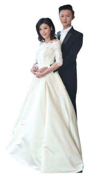 苏慧伦晒唯美婚纱照老公相貌曝光。