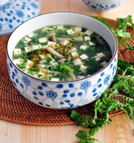 荠菜蟹菇豆腐羹