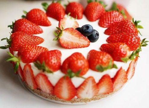 适合四月天的草莓酸奶慕斯