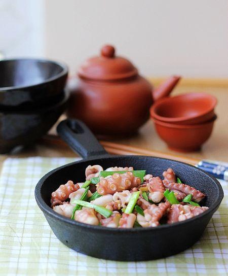 鲜美脆爽的胶东风味春菜:春韭菜爆炒八爪鱼