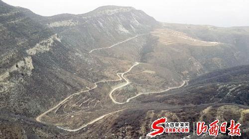 闫庄乡寺垴山地貌。