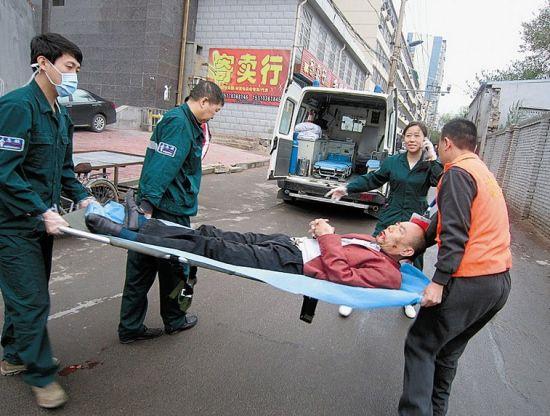 太原市急救中心担架员志愿者正式上岗