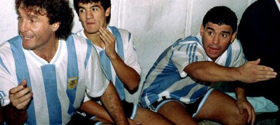 1994年世界杯,马拉多纳在阿根廷队的更衣室中