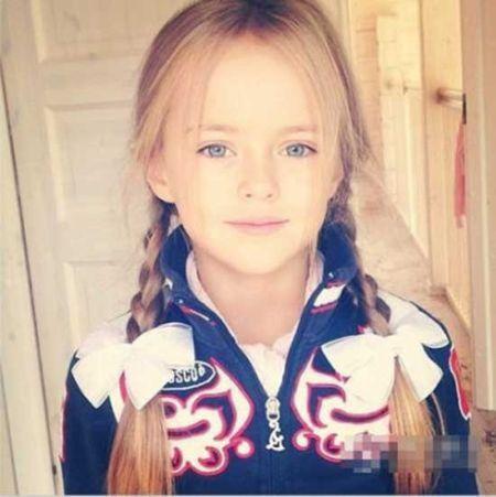 全球超美小萝莉俄罗斯9岁模特走红