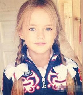 小萝莉俄罗斯9岁模特走红
