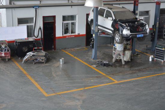 宽广的汽车维护修理车间