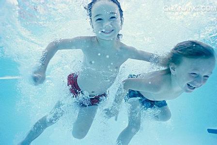孩子最好5岁后再学游泳