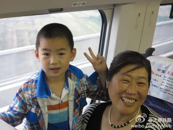 张阿姨带孙子回西安老家
