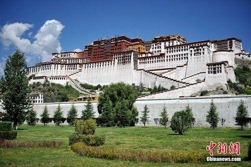 西藏布达拉宫 王红纲摄