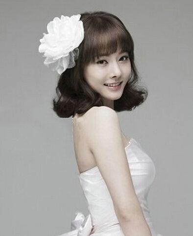 新浪新娘气质发型推荐打造简约短发发型_韩式演出女孩女神羊角辫图片