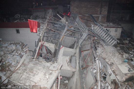 组图:太原城中村农民自建房倒塌
