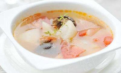 火腿香菇白萝卜汤食材:火腿150克,生姜50克,白萝卜250克,香菇,葱六位仙调味品图片