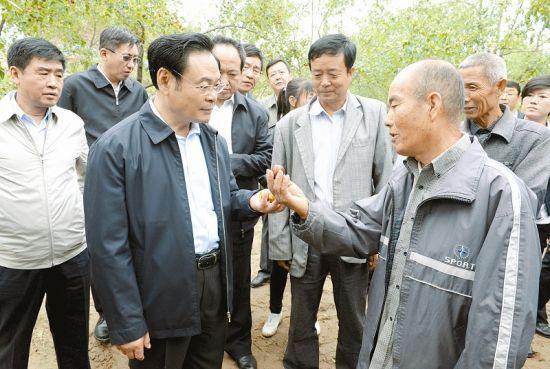 王儒林在吕梁调研强调:弘扬老区精神 传承廉政文化