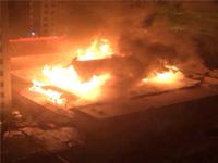 太原伏龙寺大雄宝殿突发火灾 消防人员救出一人