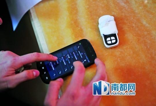 一个号码为021-62588800的电话自称上海静安区公安分局,骗走了小程148万。 南都记者 梁炜培 摄