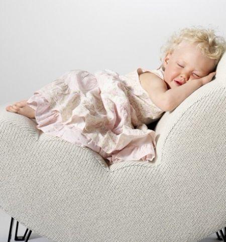 宝宝睡觉不踏实_宝宝睡觉不踏实怎么办