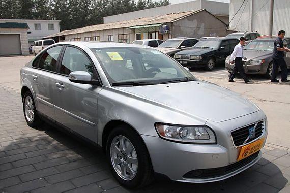 购沃尔沃S40指定车型现金优惠8万元 有现车