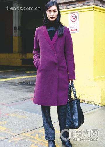 紫色外套怎么搭配好看