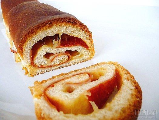 软奶酪配意大利腊香肠面包